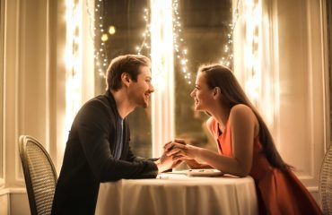 7 signs your date is going well