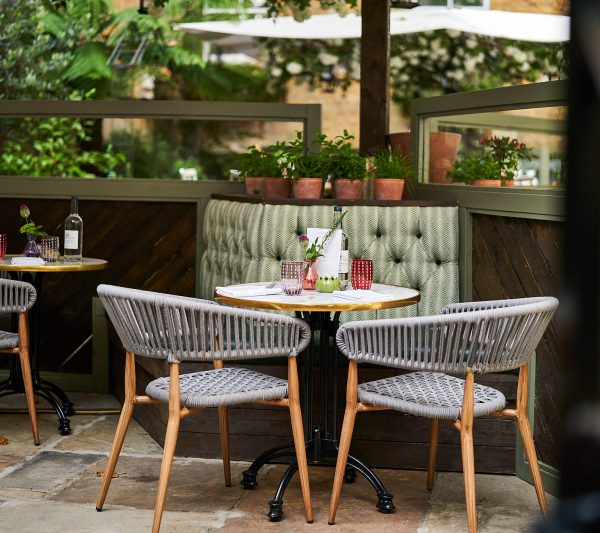 Stanleys outdoor seating for a date